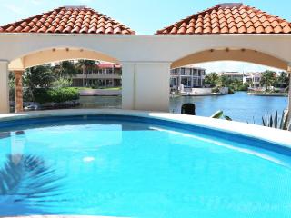 Condo Bellmare luxury B 2 Beb Room Sea View - Puerto Aventuras vacation rentals