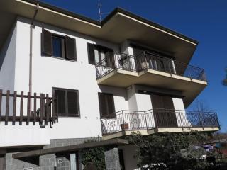 Perfect 3 bedroom Condo in Arizzano with Balcony - Arizzano vacation rentals