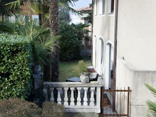 Perfect Condo with Water Views and Satellite Or Cable TV - Stresa vacation rentals