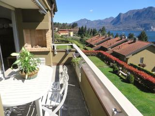 Bright 3 bedroom Ghiffa Apartment with Internet Access - Ghiffa vacation rentals