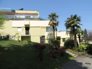 Sunny Condo with Balcony and Water Views - Baveno vacation rentals