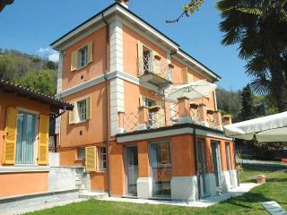 Sunny 2 bedroom Condo in Pallanza - Pallanza vacation rentals
