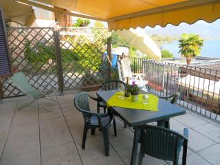 Bright 2 bedroom Feriolo Apartment with Internet Access - Feriolo vacation rentals