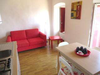 Lovely Apartment in Feriolo with Internet Access, sleeps 3 - Feriolo vacation rentals