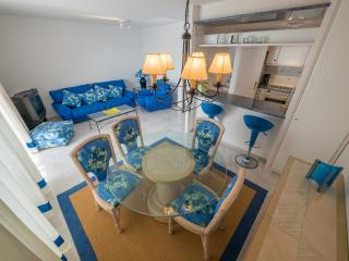 Nice Condo with Shared Outdoor Pool and Television - Roses vacation rentals