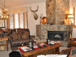 2 bedroom House with Internet Access in Teton Village - Teton Village vacation rentals