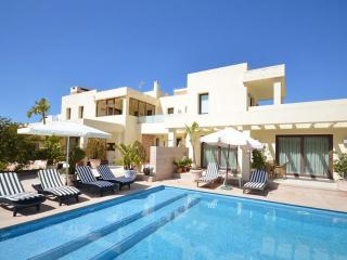 Comfortable Villa with Internet Access and Dishwasher - San Jose vacation rentals