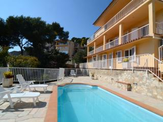 Cozy 2 bedroom Condo in L'Estartit with Washing Machine - L'Estartit vacation rentals