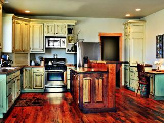 Top Reviewed Bozeman Vacation Home.  5 Minutes from Downtown! - Bozeman vacation rentals