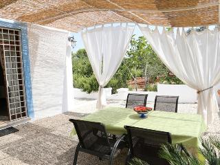 Lamia Verde Reginetta, Classic Collection, self catering with shared pool in Puglia | Raro Villas - Casalini di Cisternino vacation rentals