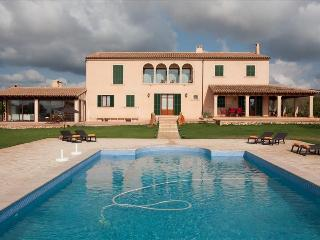 Bright 6 bedroom Villa in Porto Colom - Porto Colom vacation rentals