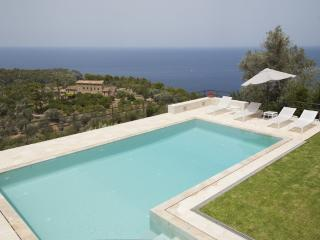 Nice Villa with Internet Access and Satellite Or Cable TV - Deia vacation rentals