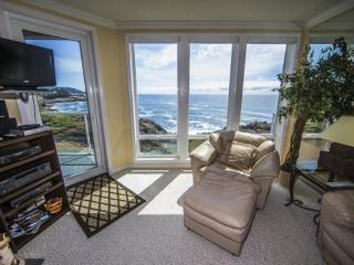 The Lighthouse - SPRING SPECIALS - Depoe Bay vacation rentals