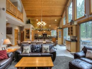 Deerfield Lodge - 5 Bedroom - Exceptional Lodge Style Home - Great Location! - Sunriver vacation rentals