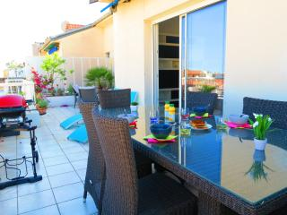 VAL ROYA TERRASSE - Vue, Musiciens, Centre Ville - Cote d'Azur- French Riviera vacation rentals