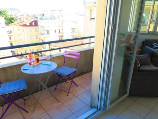 Ashley&Parker - JOFFRE- In the center of Nice, quiet 1 bedroom flat with balcony - Nice vacation rentals
