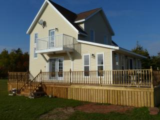 Cozy Cottage with Television and Water Views in Malpeque - Malpeque vacation rentals