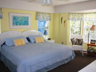 Oceanfront Condo - Pool, Beach, Tennis & Marina - Tavernier vacation rentals