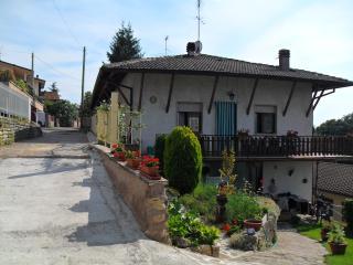 Casa  Nella am Gardasee 4/5 Pers. - San Zeno di Montagna vacation rentals