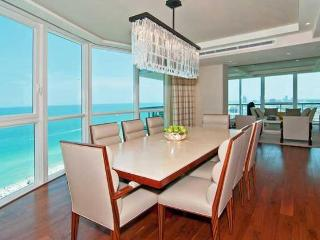 SOUTH BEACH 3 BEDROOMS APARTMENT WITH PARKING - Miami Beach vacation rentals