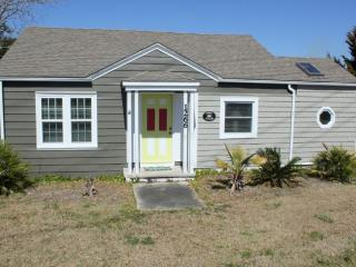 Nice 2 bedroom House in Salter Path - Salter Path vacation rentals