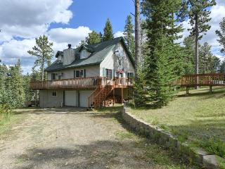 Cozy 3 bedroom Lead House with A/C - Lead vacation rentals