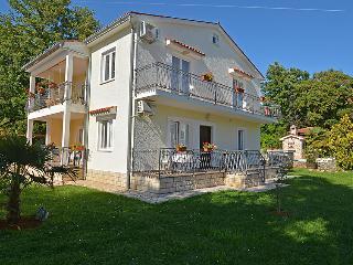 4 bedroom Villa in Porec, Istria, Croatia : ref 2236984 - Mali Maj vacation rentals