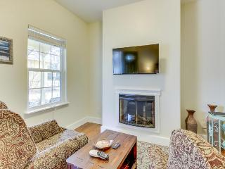 Welcoming studio w/ access to a shared pool and hot tub - Fredericksburg vacation rentals