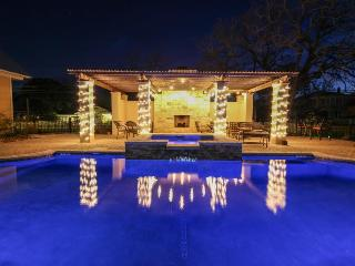Luxurious king suite with a Jacuzzi tub & a shared pool and hot tub! - Fredericksburg vacation rentals