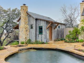 Beautiful cabin w/reclaimed wood details, private hot tub! - Luckenbach vacation rentals