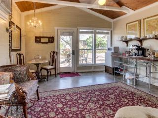 Romantic studio suite w/ a jetted tub & old-world comfort! - Fredericksburg vacation rentals