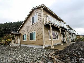Dog-friendly oceanfront home w/ a hot tub & beach access! - Gold Beach vacation rentals