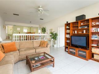 Our House at the Beach 222, 2 Bedroom, Heated Pool, Tennis, Sleeps 4 - Siesta Key vacation rentals