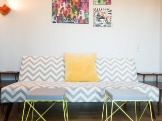Cozy Condo with Internet Access and Balcony - Los Angeles vacation rentals