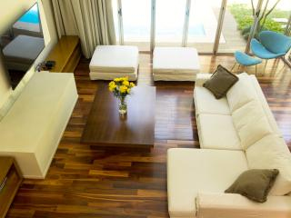 Airy 3 Bedroom  Palermo Soho Home Nestled in Greenery - Buenos Aires vacation rentals