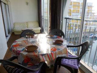 0036-BAHIA Apartamento con vistas al canal - Empuriabrava vacation rentals