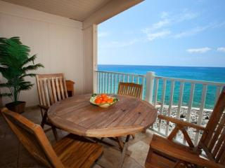 Sea Village 4207 Gorgeous 2B/2B oceanfront, renovated condo. Watch sunsets from lanai! Free car with stays 7 nts or more* - Kailua-Kona vacation rentals