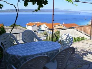 2 bedroom Apartment with Television in Baska Voda - Baska Voda vacation rentals