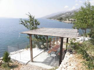 5791  SA5(3) - Lukovo Sugarje - Dinjiska vacation rentals