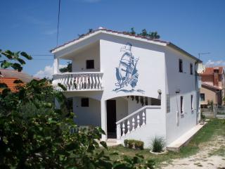 00718NIN  A1(4+1) gornji - Nin - Nin vacation rentals