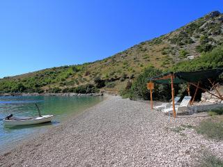 36009 H(4+1) - Uvala Zirje (Selca) - Selca vacation rentals