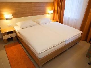 Sunny 1 bedroom Condo in Kukljica with Short Breaks Allowed - Kukljica vacation rentals