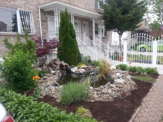 Garden House in the East Bronx - Bronx vacation rentals
