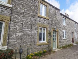 JASMINE COTTAGE, fantastic walks, lawned garden, woodburning stove, Monyash, Ref 922336 - Monyash vacation rentals