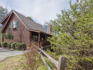 Luxury 5 BR Log Home 1 Mile from Parkway - Pigeon - Pigeon Forge vacation rentals