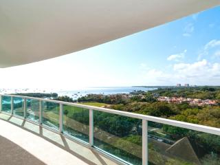Perfect Condo with Internet Access and A/C - Miami vacation rentals