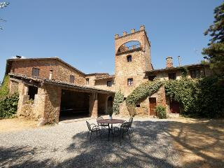 Charming House with Internet Access and Fireplace - Siena vacation rentals