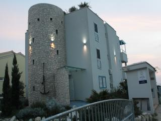 "residence ""STARO SIDRO""appartamento ""Antico"" - Petrcane vacation rentals"