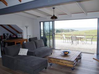 Grey Goose @ Smiths Loft Apartment - Smiths Beach vacation rentals