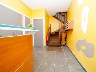 Hébergement près du Puy du Fou (4 Personnes) - Saint-Laurent-sur-Sevre vacation rentals